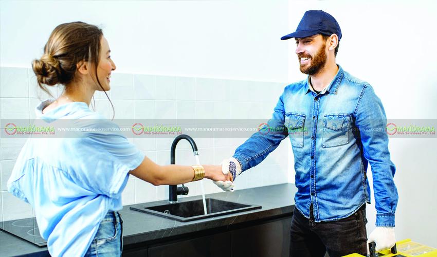 USE CUSTOMER SERVICE AS A MARKETING TOOL